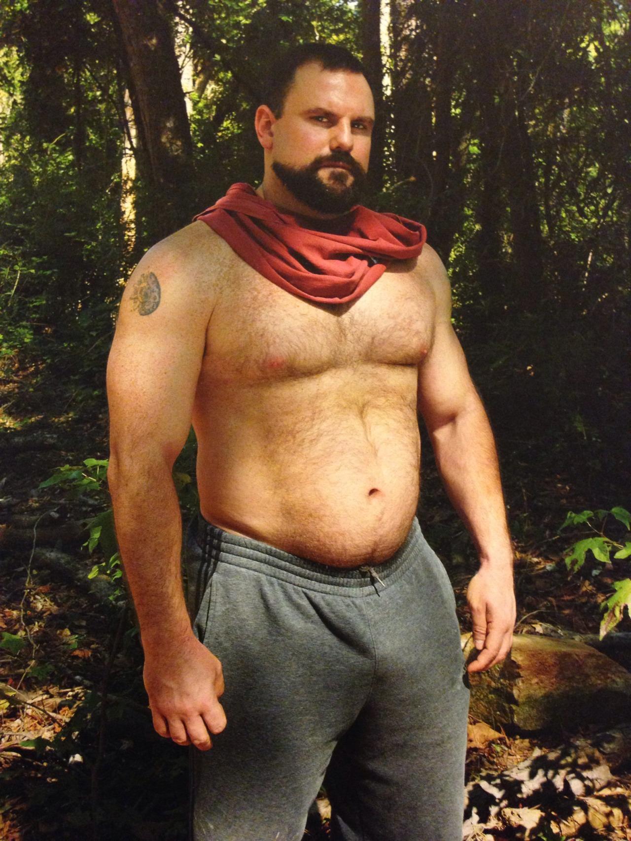 Hairy muscle bear men naked