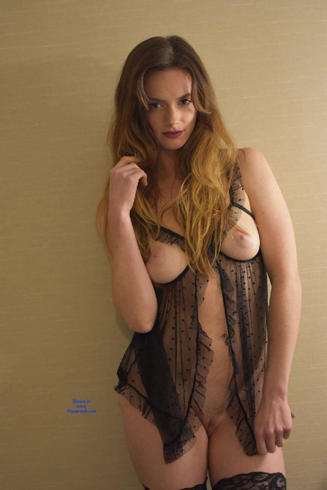Perfect brunette nude amateur girls