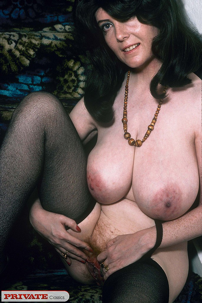 Huge natural tits vintage pic