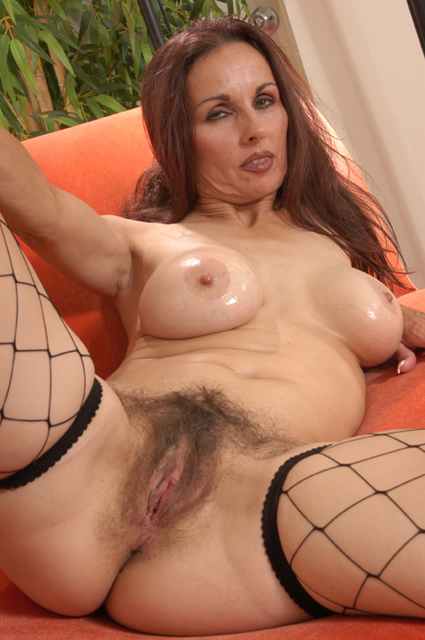Sexy mature hairy pussy