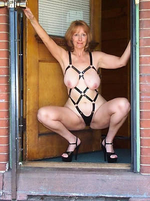 Nasty mature slut mom