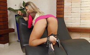 Lisa ann sexy secretary