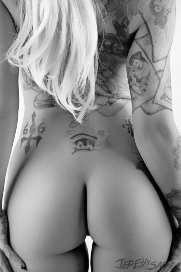 Hot tattoo girls nude ass