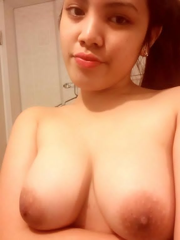 Pinay. big tit nude picture