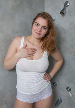 Short curvy girls nude