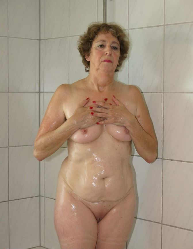 Beautiful old nude grannies
