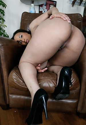 Big mom ass nude
