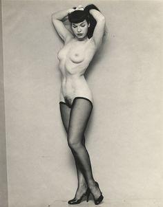Vintage nude pin up models
