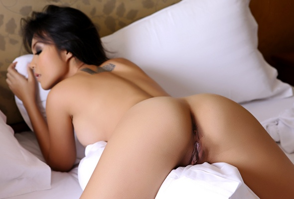 Sexy naked asian women ass