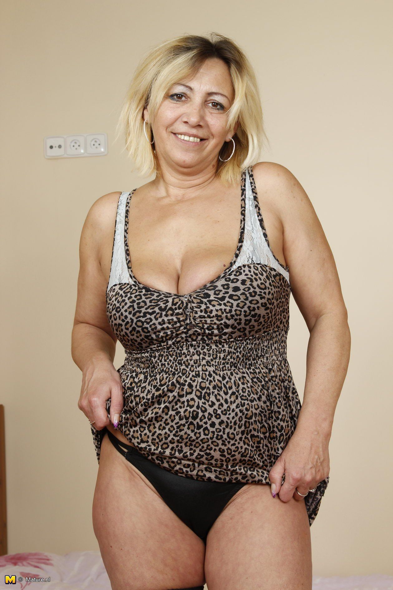 Slutty mature women sex mom fuck