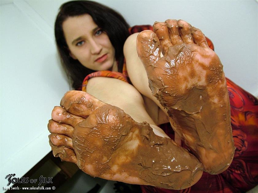 Nude black women dirty feet soles