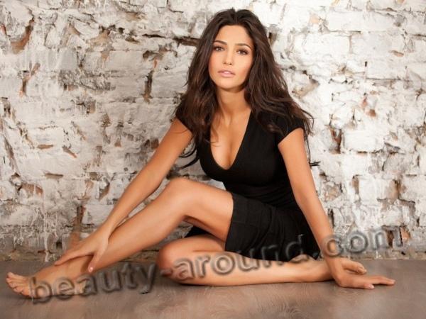 Hot mature greek women