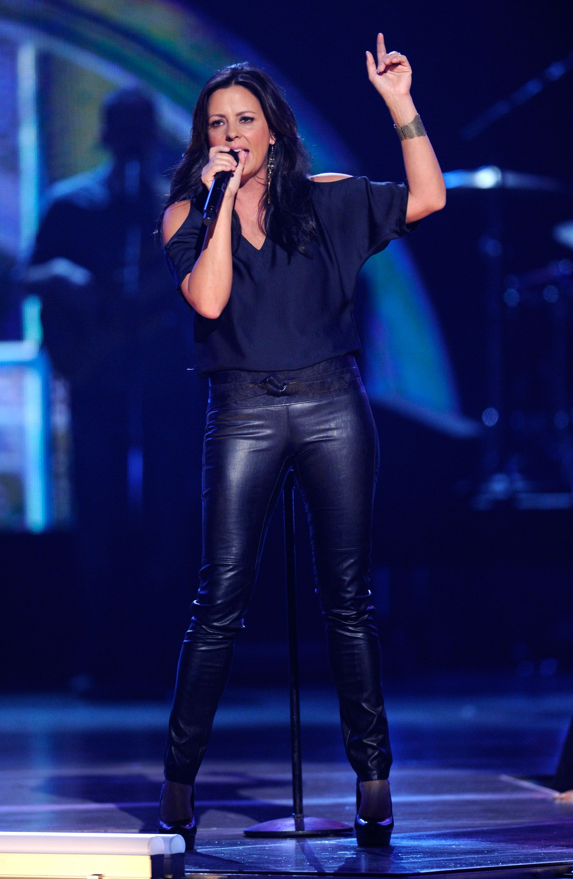 Sara evans leather pants