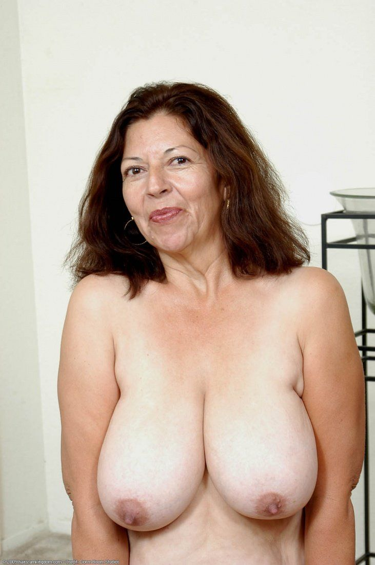 Large mature naked woman