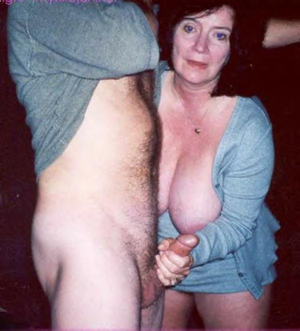 Mature women sex club