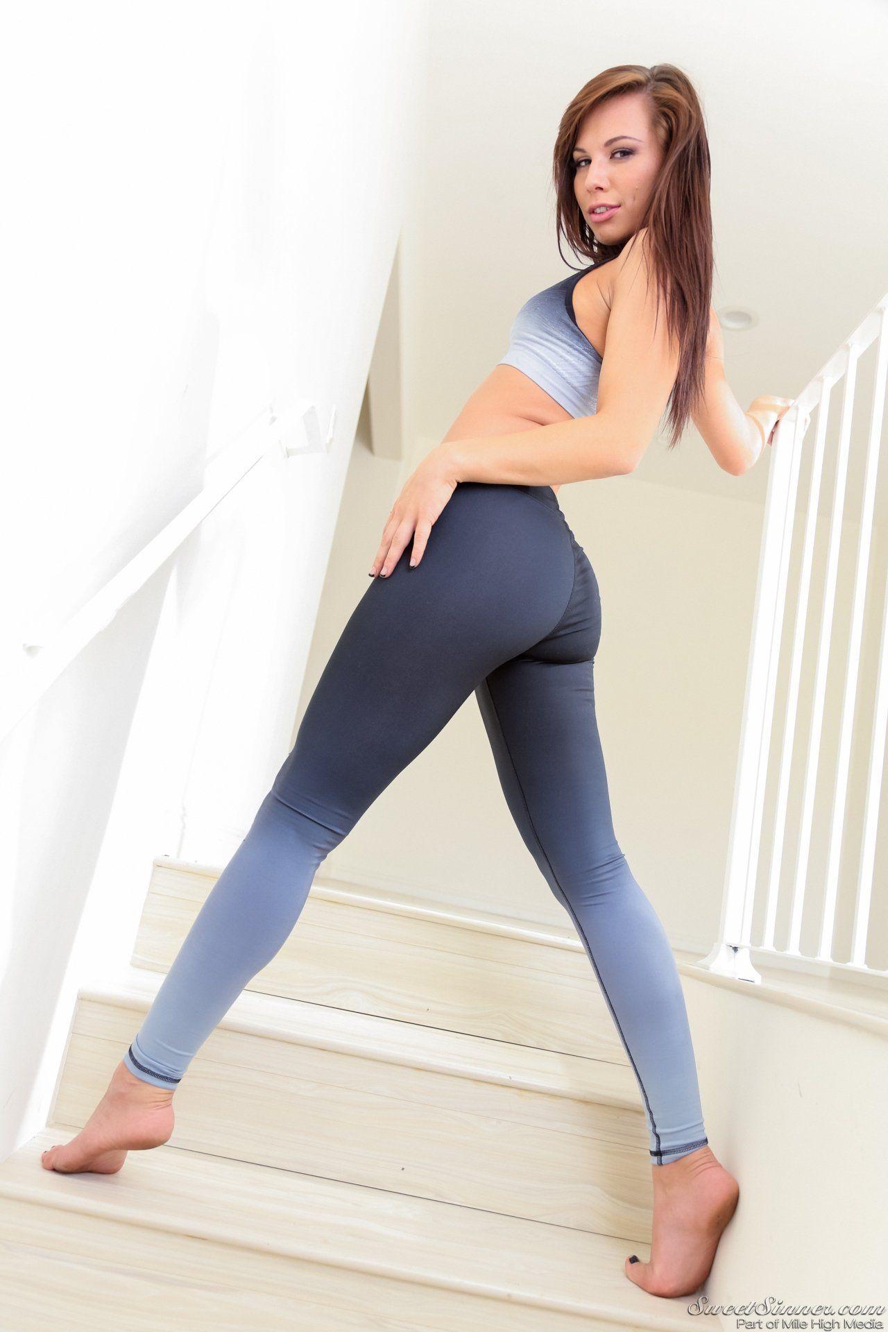 Yoga sexy xxx girls