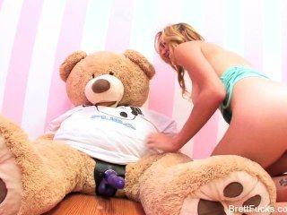 Girl teddy bear porn
