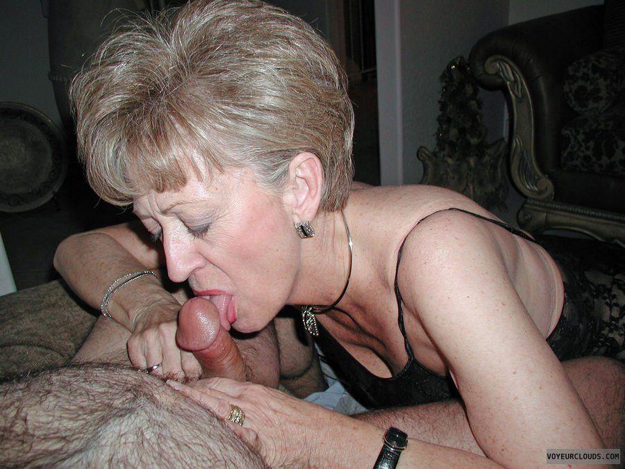 Adult nudes blow job