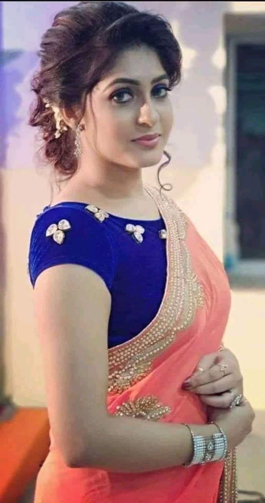 Hot pink blouse bhabhi