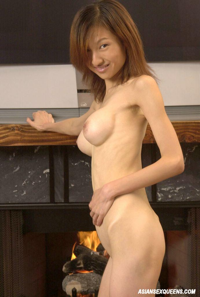 Skinny shaved asian amateur