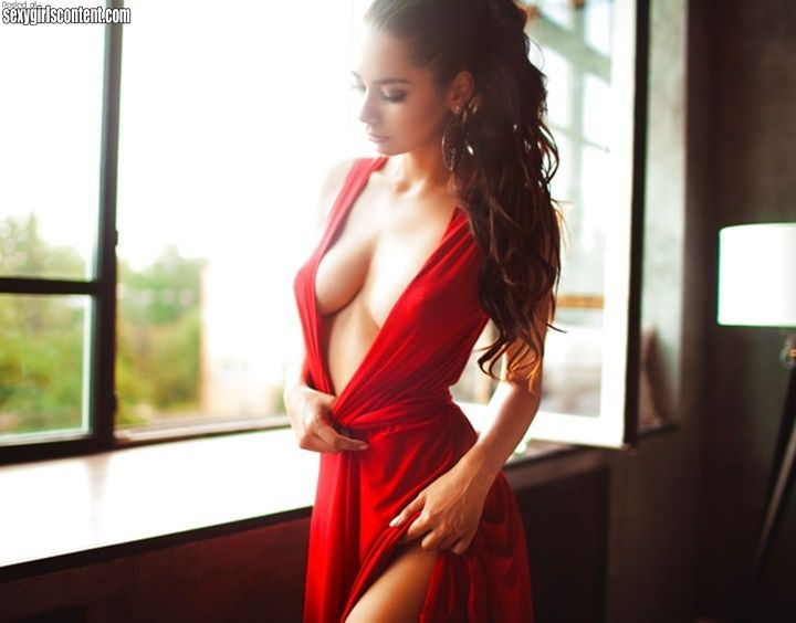Wife cleavage no bra