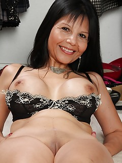Nude asian mom pic new gallery