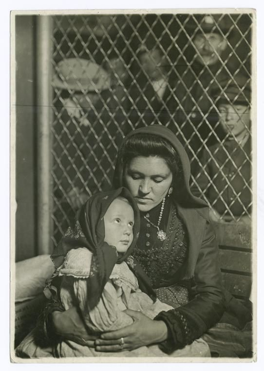 Italian girl immigrants ellis island