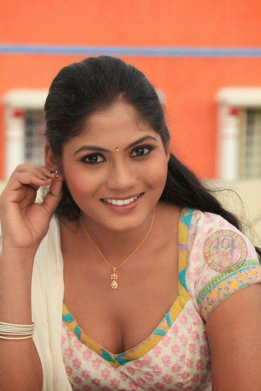 Tamil actress hot stills