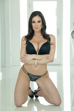 Porn actress kendra lust hd hot photo