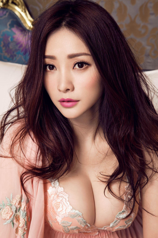 Sexy hot bold girls photo chinese
