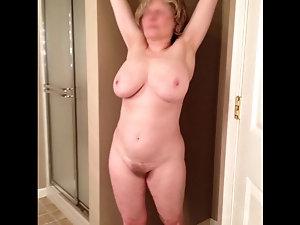 Mature woman having real orgsam. com