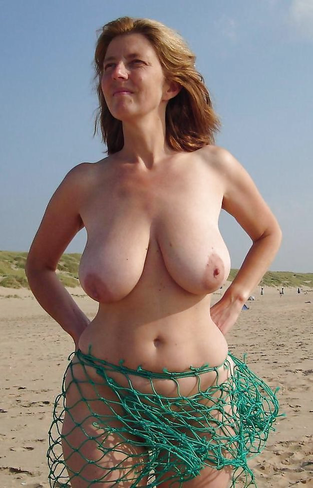 Milf wide hips women nude