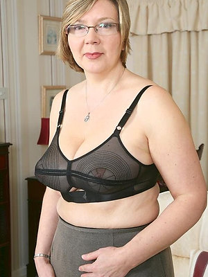 Nude mature women with glasses