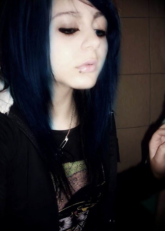 Cute emo girls with black hair nude