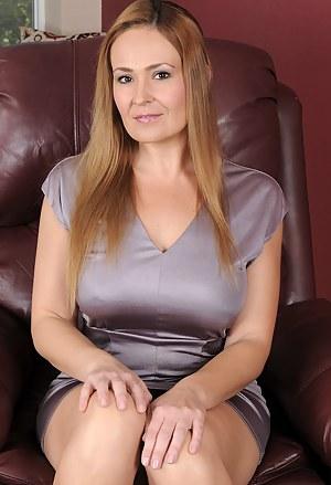 Sexy mature hot cougar moms
