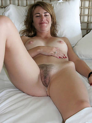 Nude adult women exposed
