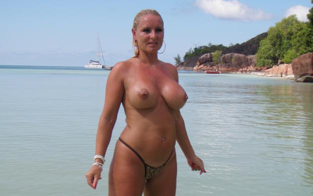 Milf tits at the beach