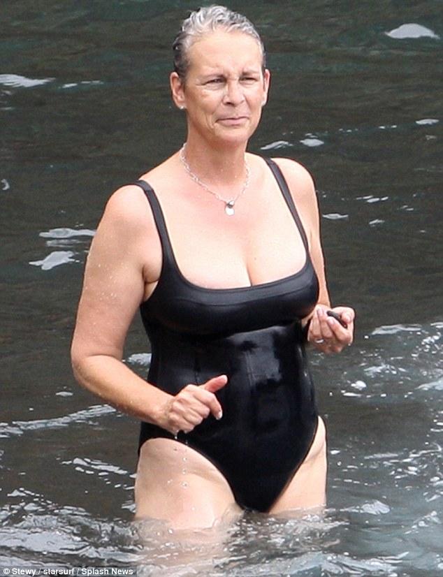 Jamie lee curtis kranks bikini