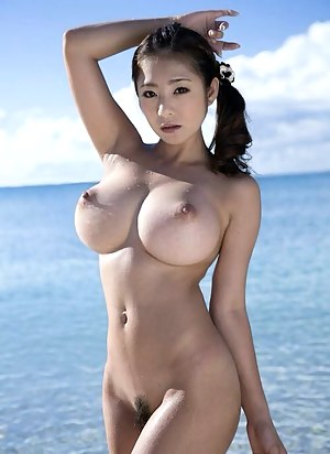 Hottest nude huge boobs