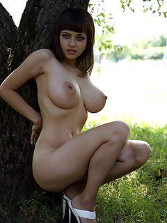 Russian busty amateur tits pics