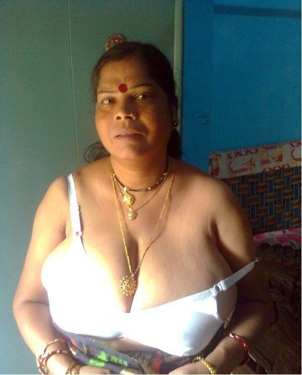 Aunty nude indian old