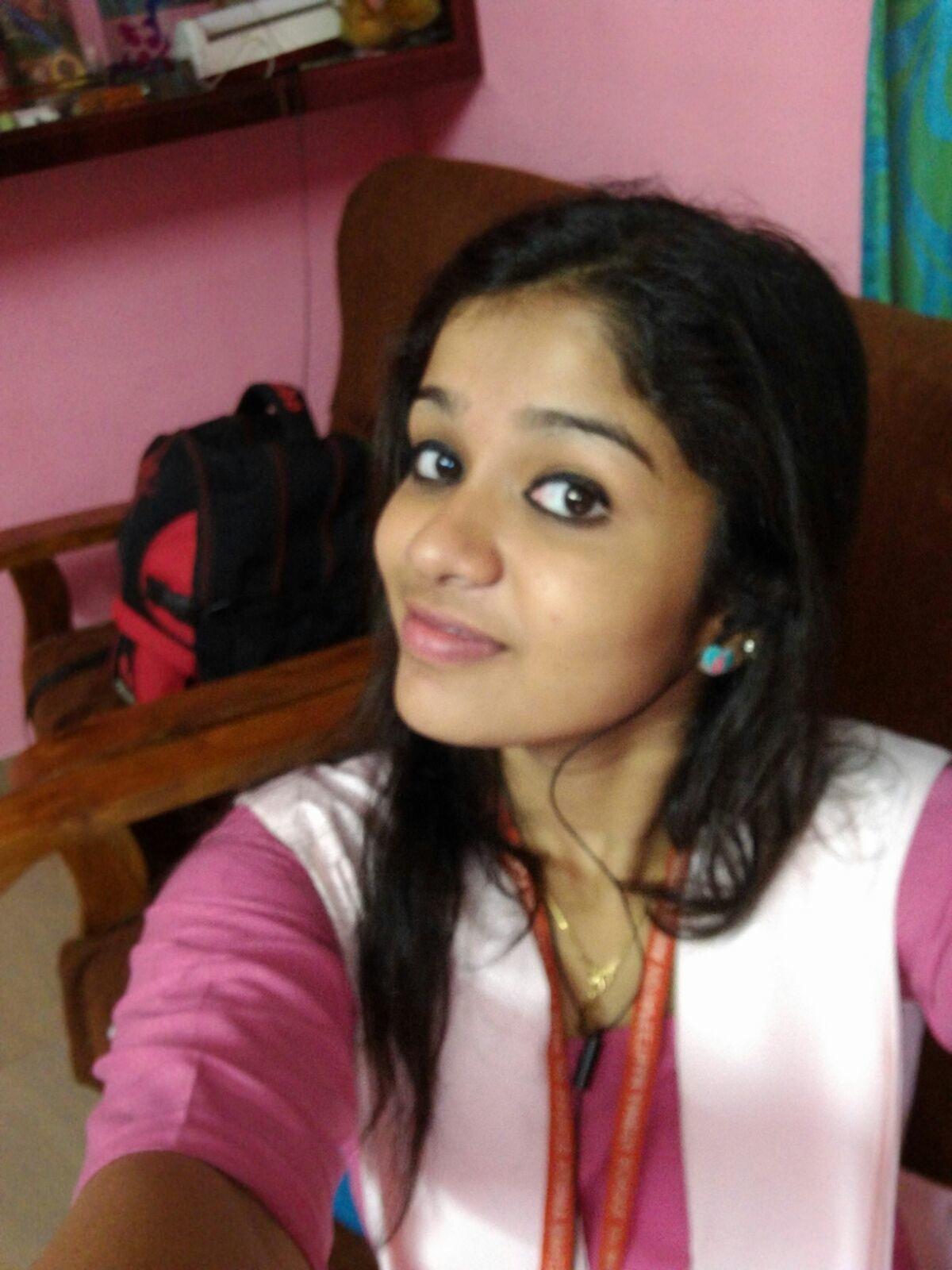 Kerala girl nude selfe images