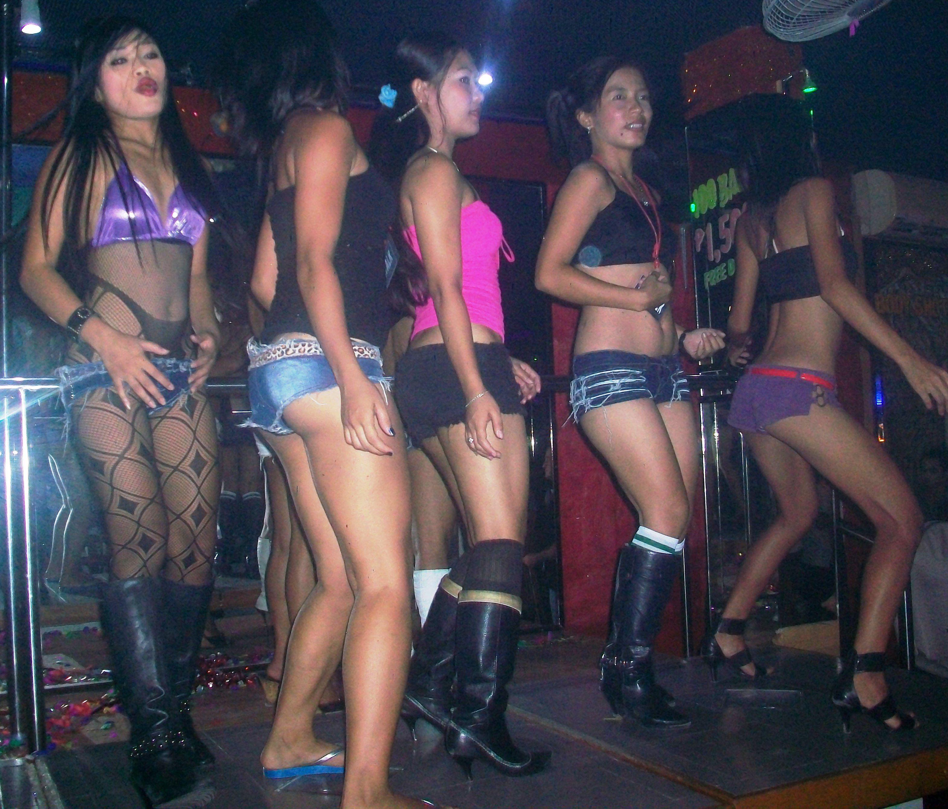 Barretto bar girl nude photo