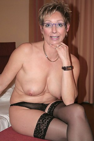 Mature milf mom pussy hd