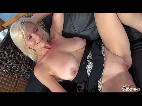 Very hot mom getting fucked