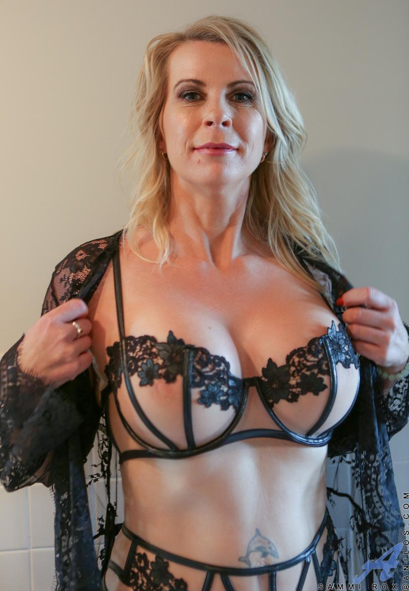 Amateur mature big tit lingerie