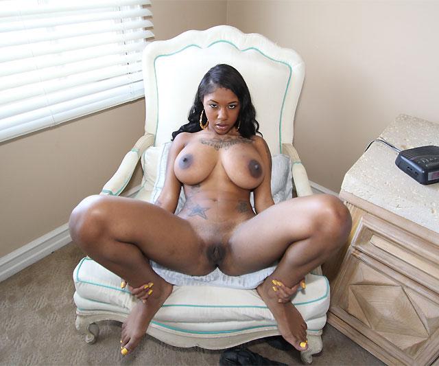 Best natural round boobs