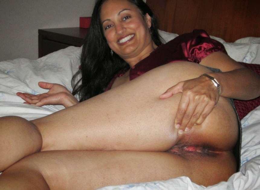 Sexy desi aunty pornpics. com