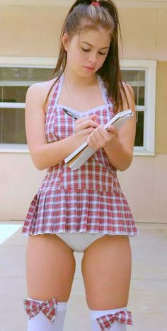 Girl wearing diaper porn pics