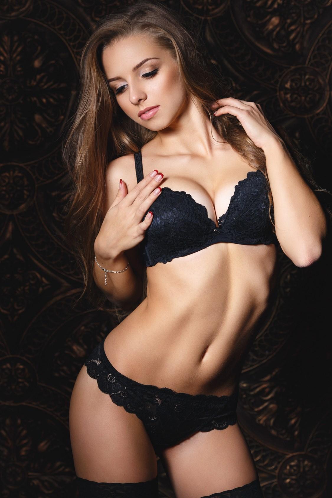 Strip club with sexy girls